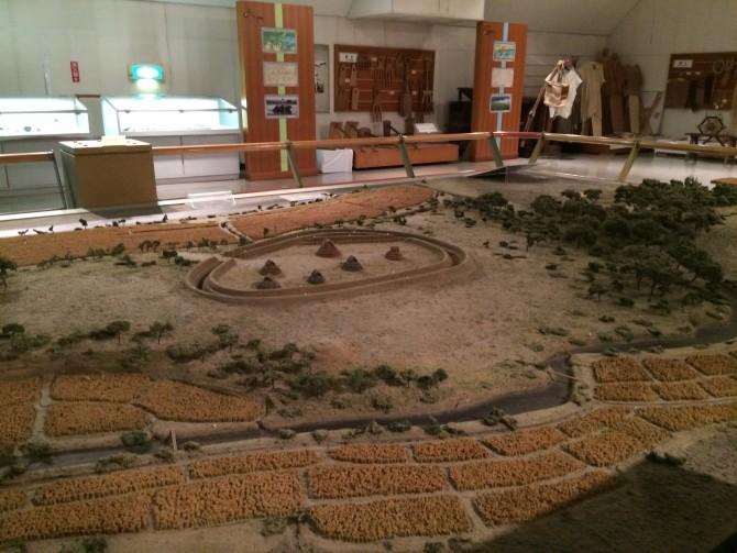 歴史館にあった環濠集落の様子